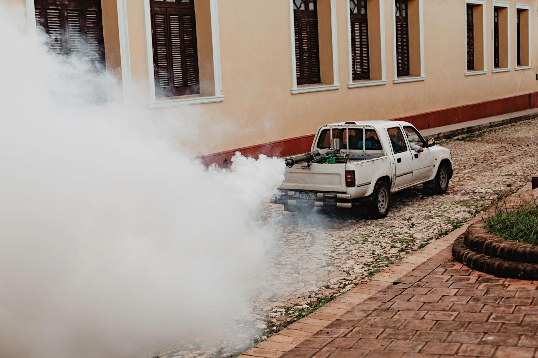 Fumigación en Cuba