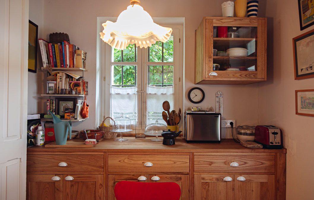 Una cocina a medida, de madera… y diseño