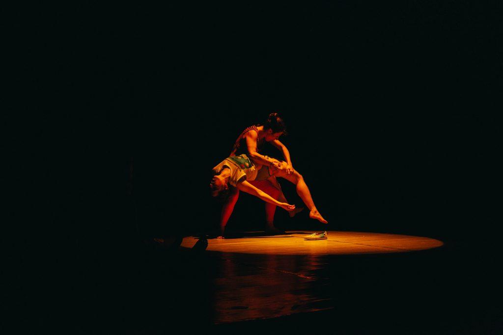 Actuación de Iniciativa Sexual Femenina en Oviedo